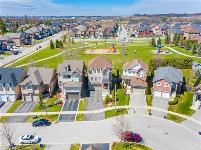 10 Highland Terr Bradford West Gwillimbury